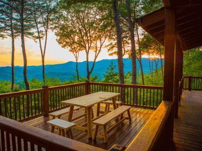 Photo for Eventide is a mountaintop paradise surrounded by the North Georgia Mountains. Pet-friendly.