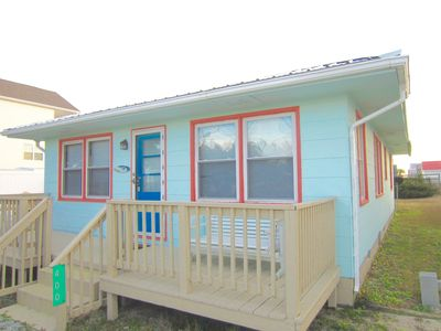 "Photo for ""Castaways"" Atlantic Beach Family Fun Cottage"