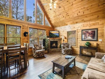 Mountain Elegance, 2 Bedrooms, Sleeps 8, Theater, Hot Tub, Pool Table