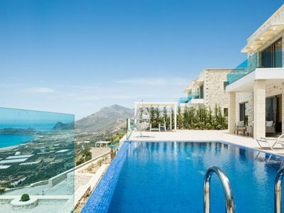 Photo for Dazzling Villa for 7 guests overlooking Phalasarna Beach