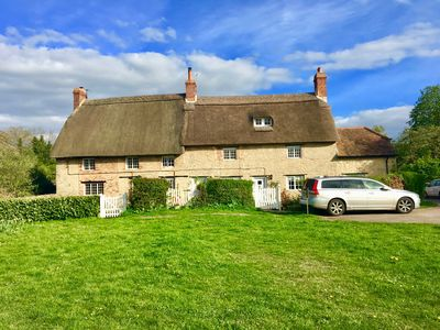 Photo for Thrupp 17th Century 4 bedroom thatched Cottage