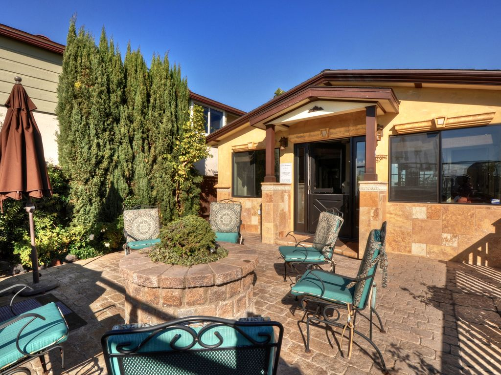 Perfect Fully Equipped Villa With Private Patio And BBQ!