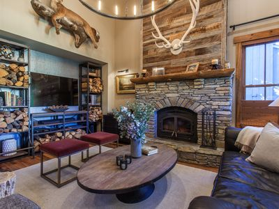 Newly Renovated Rustic Lodge in Mammoth Lakes