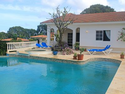Photo for Chica-friendly private villa steps from beach, clubs, restaurants, shops, bars!