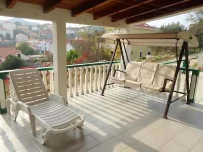 Photo for Two bedroom apartment with terrace and sea view Sali (Dugi otok)