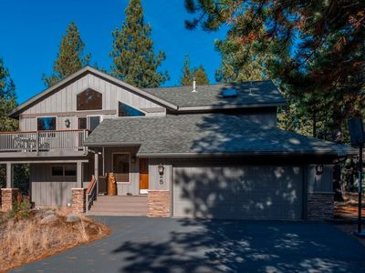 Photo for 25 Mcnary Lane: 4 BR / 3.5 BA home in Sunriver, Sleeps 10