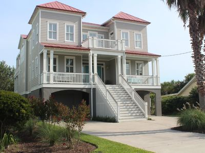 Photo for Prime location!  Downtown IOP.  Private pool. Elevator.  1 block to town/beach.