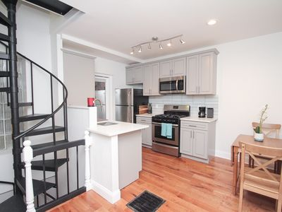 Photo for Spectacular Downtown Trinity! Sleeps 6!