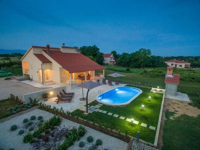 Photo for Villa Paula with heated  pool for 8 guests, Privlaka