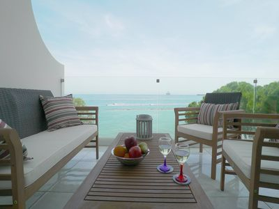 Photo for 3b Beachfront Apartment on Top of the Sea