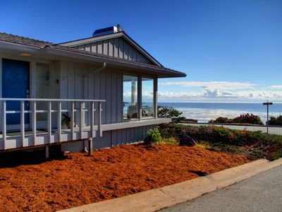 Photo for Spectacular Oceanfront Views, Pets, Fireplace, Chef's Kitchen (LIC #0100)