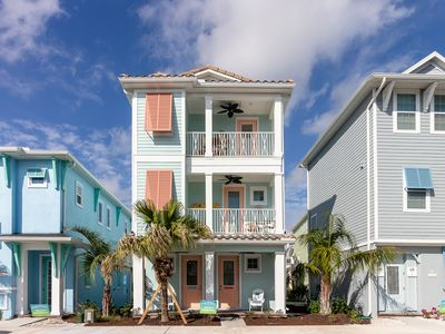 Photo for Incredible Margaritaville Cottage! Lagoon pool with Tiki Bar on-site! Shuttle service to Disney!