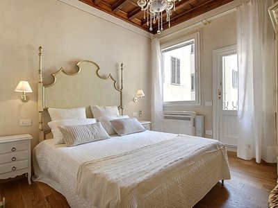 Photo for Apartment in the center of Florence with Internet, Washing machine, Air conditioning (971333)