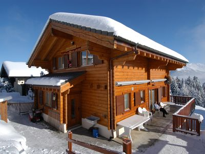 Photo for Spacious, sunny chalet in a quiet spot