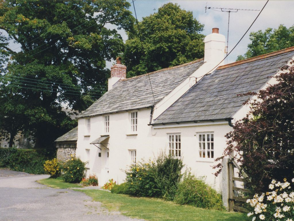 detached cottage  in north cornwall  near beaches and