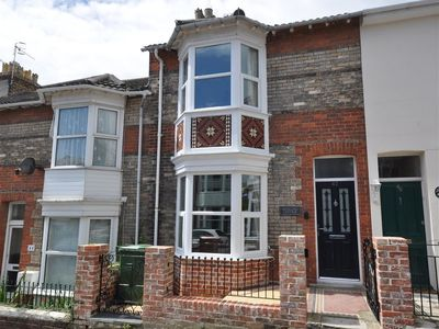 Photo for PEDALLER'S COTTAGE, family friendly in Weymouth, Ref 994539