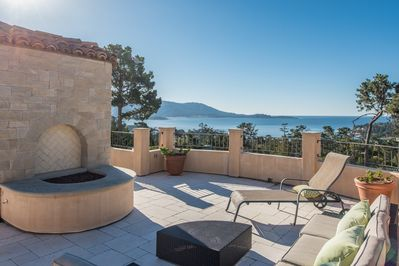 Spectacular rooftop deck with unobstructed view of ocean, Lodge and golf course