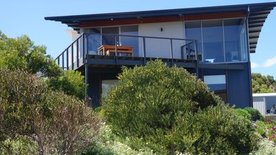 Lovely light modern house with all mod cons just 50 meters from the Beach
