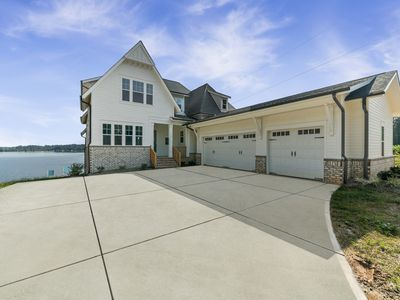 Photo for Brand New Luxury Waterfront Lake House, sleeps 21