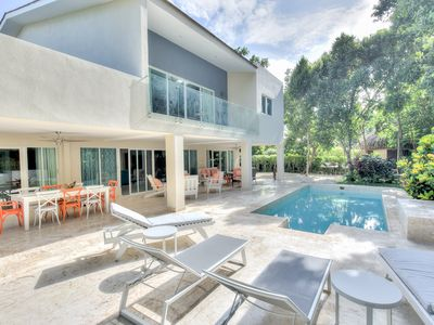Photo for Neat 4 Bedroom Villa close to the beach