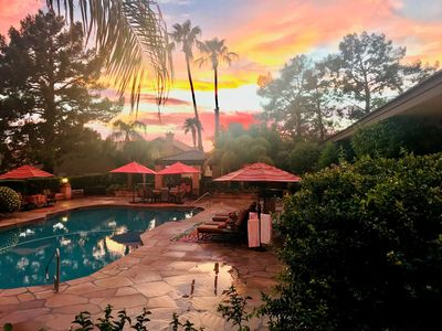 breath taking  sunset in backyard doesn't even look real!