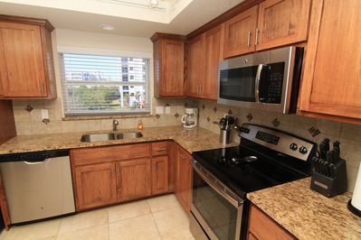 Granite, Stainless Steel Updated Appliances and plenty of room to cook and prepare meals for a few friends or a large family gathering!