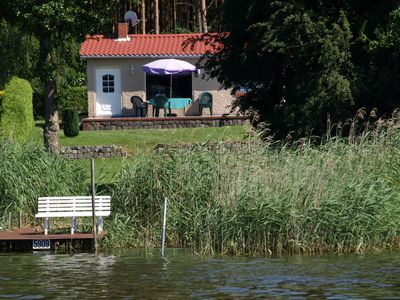 Photo for Holidays on the lake with boat and bicycles all inclusive