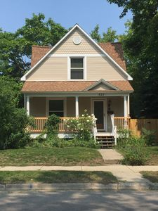 Traverse City Walking distance to downtown and beach! Sleeps 10, very nice home!