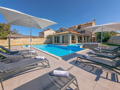 Photo for Completely renovated Villa M with pool on an enclosed property