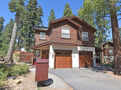 Photo for Prime location w/ Fireplace, Smart TV, Snow Sleds, 15 min to Northstar, 5min Kin