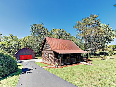 Photo for Fall Savings! Renovated 'Tennessee Burrow' - Amazing Locale & Large Yard