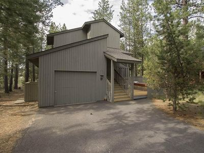 Photo for Fabulous location close to SHARC and Sunriver Village! Free SHARC Passes.