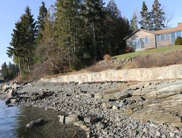Photo for Lovely 3 Bedroom Cottage with Private Beach!