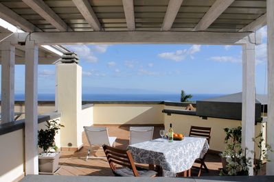 Panoramic Apartment : The Terrace on the Roof
