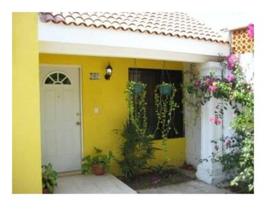 Photo for Bright and cheerful 2 bedroom home perfect for visitors to Merida.