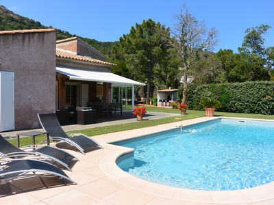 Photo for Charming villa with heated pool and enclosed garden