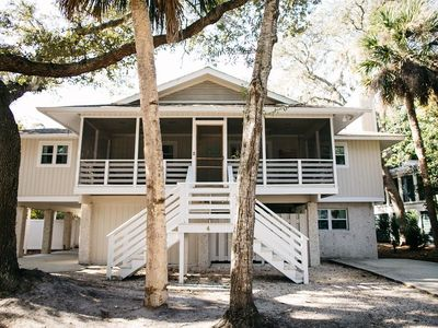 3 Minute Walk to Beach, Private Pool and Short Walk to Coligny