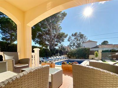 Photo for Villa Bonita Only 300m walk to the beach and Free Wifi