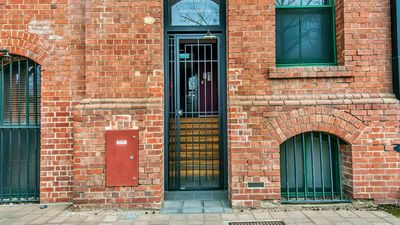 Photo for HOLIDAY IN HISTORICAL PORT ADELAIDE. AFFORDABLE AND EVERYTHING YOU NEED.