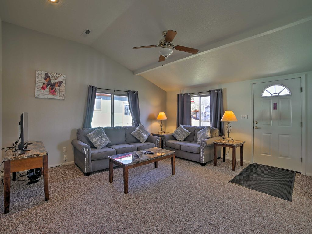 NEW! Cozy Home near Moab & Canyonlands!