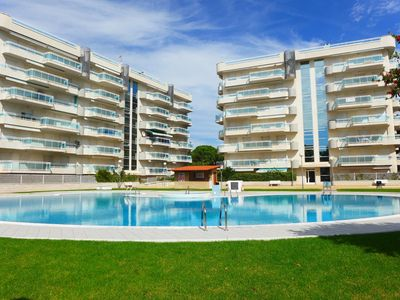 Photo for Family apartment in Salou with large pool