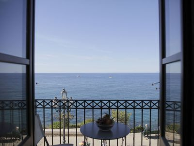Photo for Fantastic Modern Apartment with an unparalleled view of the sea