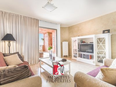 Photo for Luxury 1 bed apartment, Rooftop Pool, Free Wifi