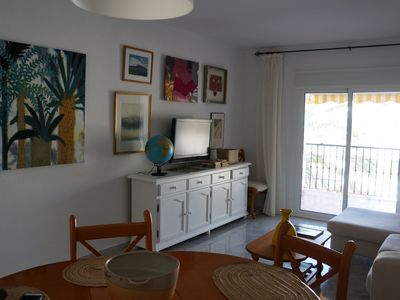 Photo for comfortable apartment next to the sea