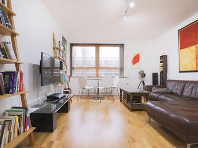 Photo for Spacious 2 Bedroom Property in Kings Cross