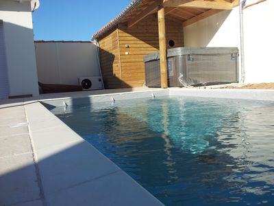 Photo for Île de Ré Villa réthaise between sea & beautiful village with heated pool, Jacuzzi