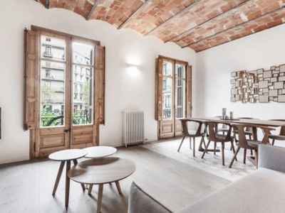Photo for Modern renovated flat 3 bed/2 bath in Eixample