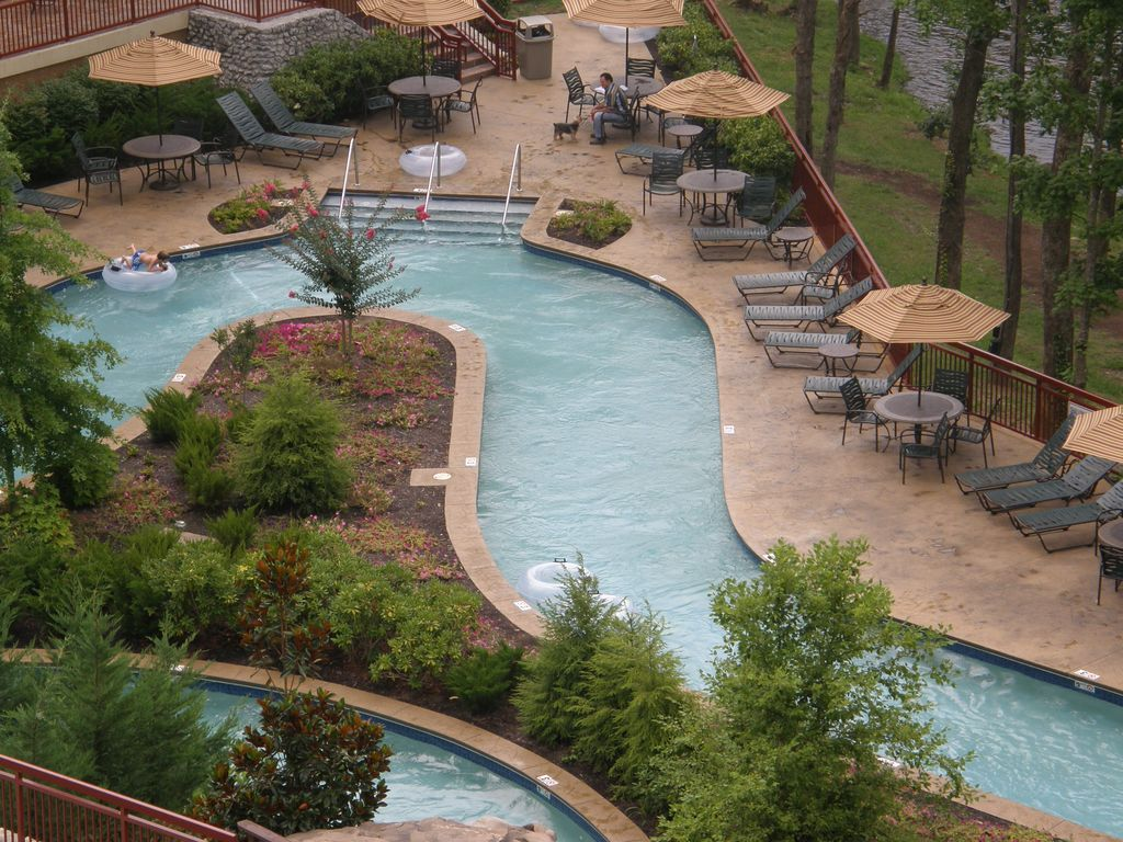 luxury 4 bedroom riverstone condo homeaway pigeon forge