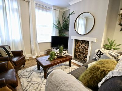 Photo for CENTRAL NORWICH for up to 6 guests - perfect for families and business guests.