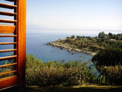 Photo for Villa with every comfort. Private access to the blue sea of Sicily, in a protected setting. Wi-fi free